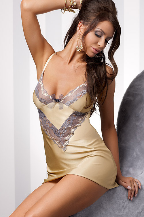 Lingerie - Casmir Vanilla Luxurious Chemise with Thong