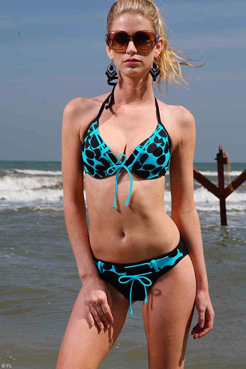 Miduo Swimwear Polka Dot Top Bikini