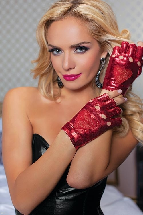 seven-til-midnight-lace-lam-accented-gloves